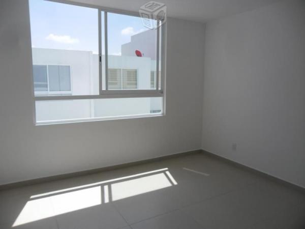 Rento casa nueva 3 Rec Lomas de angelópolis
