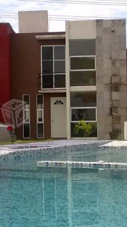Casa con alberca cerca de Hospital Centenario