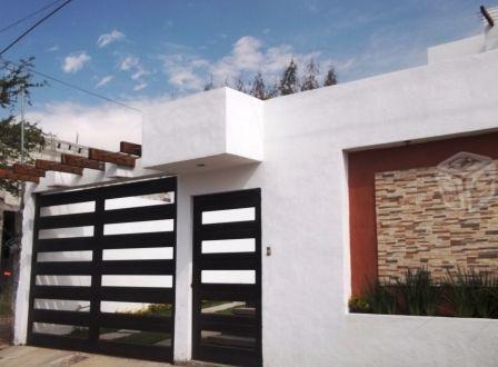 Casa con bungalow