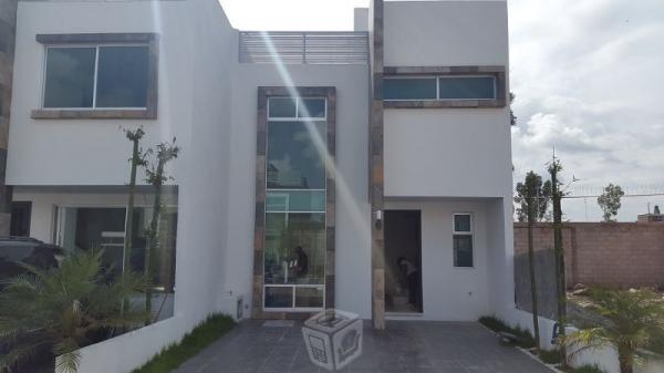 Amplia casa en periferico