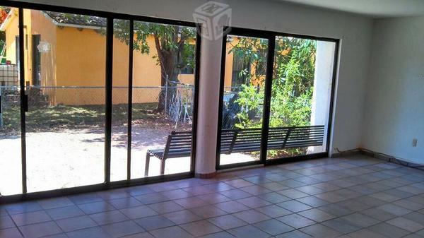 Casa renta Residencial San Carlos