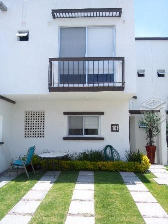 Casa en residencial, en privada y alberca