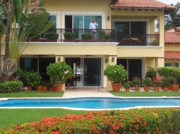 Hermosa Villa en Caracoles