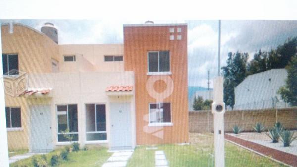 Casas en venta de 2 pisos