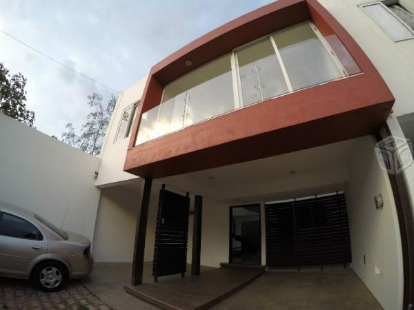 Casa renta minimalista macroplaza