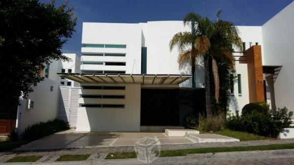 Renta Lomas I ,888, 3 cuartos 3 baños jardín Pue