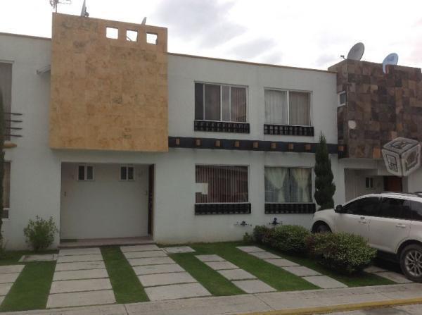 Bonita casa en los Héroes periférico,1a sección