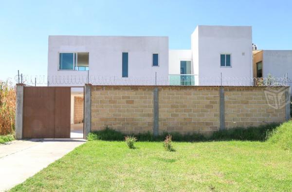 Amplia casa nueva con espacios elegantes Cholula