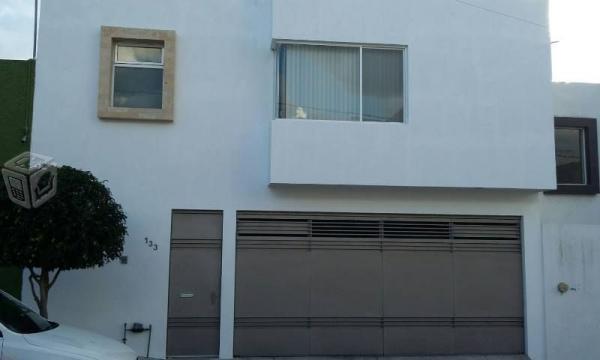 Casa en renta en lomas