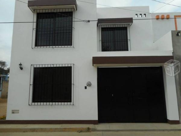 Casa nueva cerca del deportivo brenamiel
