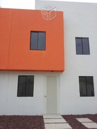 En privada 2 niveles casas terminadas
