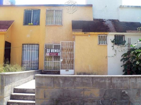 Amplia casa en fraccionamiento excelente zona
