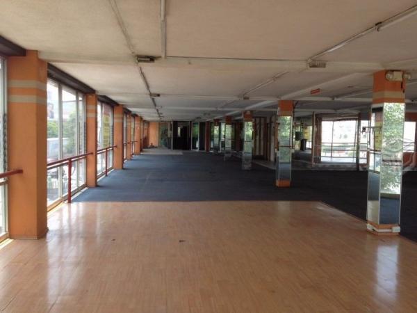 Se renta amplio local 450 m2 ideal para Gym