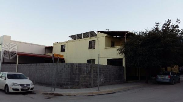 Col. Cumbres San Agustín - Amplia casa