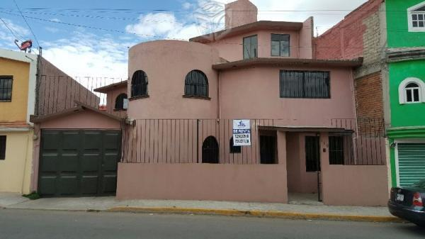 Casa en Capultitlan a 5 min de Galerías Metepec