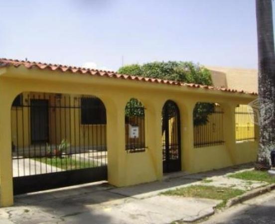 Casa 200mts 7Recamaras, 4Baños y 4Estacionamientos