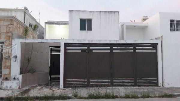 Rento casa semiamueblada real montejo