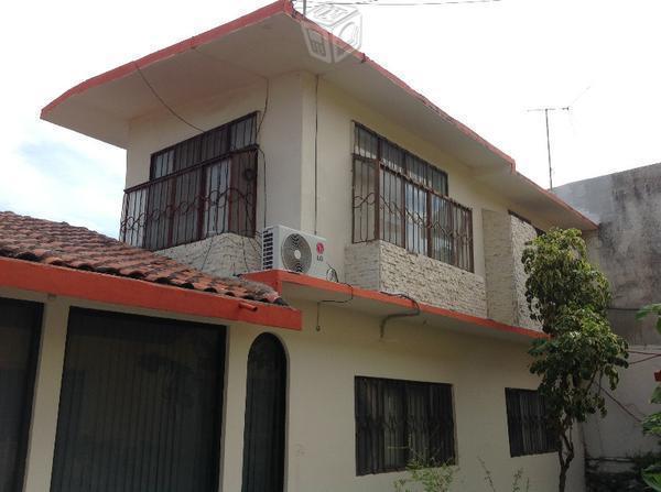 Casa grande, alberca, patio amplio, palapa, garage