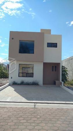 Agradable Casa en venta en Real Universidad