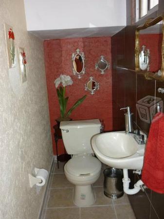 Bonita casa amueblada c/alarma - negociable