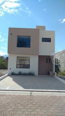 Dilatada Casa en venta en Real Universidad