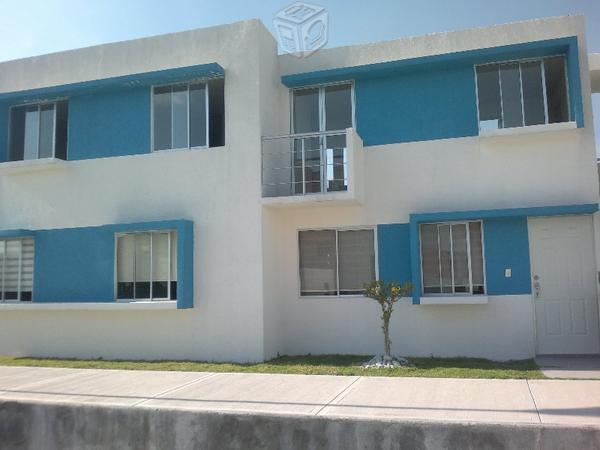 Preciosa casa tres recamaras, duplex