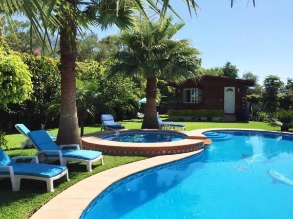Magnifica Residencia con Alberca y jardin