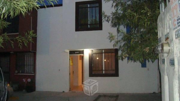 Casa de 2 plantas a 4 min.soriana valle soleado