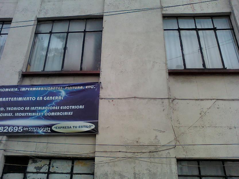 Vendo edificio frente al metro Revolución - uso de suelo mixto