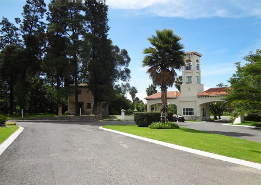Exclusivo Chalet Toscano en Hermosa Zona. CV2